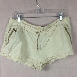 Michael Kors Short Short W/Pockets Size 12 Beige
